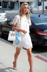 NICKY HILTON Out and About in New York 05/28/2015