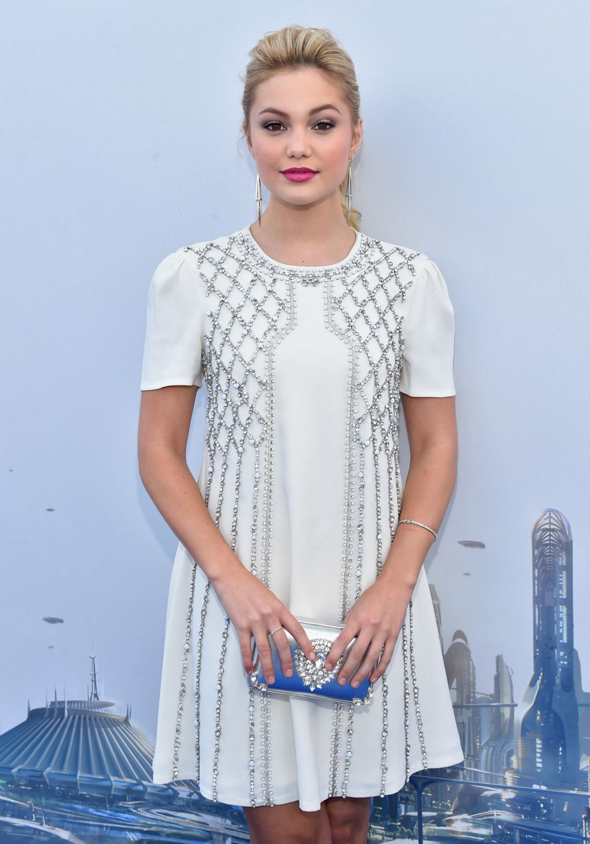 Fotos De Olivia Holt olivia holt at tomorrowland premiere in anaheim – hawtcelebs