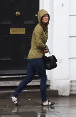 PIPPA MIDDLETON Out and About on the Kings Road in Chelsea