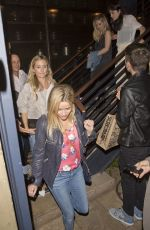 REESE WITHERSPON, SELMA BLAIR and SARAH MICHELLE GELLAR Leaves Rockwell Table & Stage in Hollywood