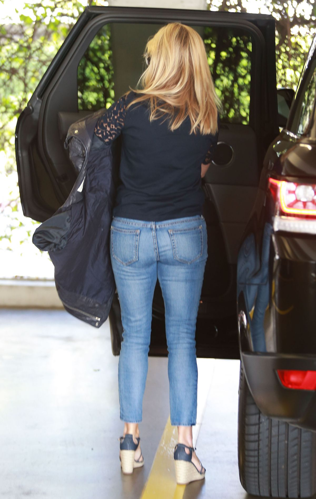 Reese witherspoon tight ass