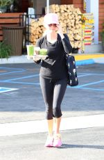 REESE WITHERSPOON Leavs a Market in Santa Monica 05/14/2015