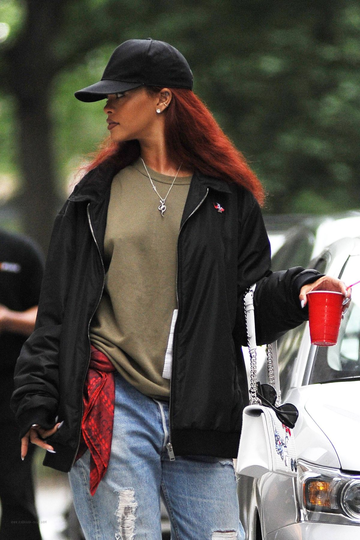 RIHANNA Leaves an Office in New York 05/18/2015