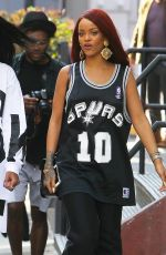 RIHANNA Out and About in New York 05/08/2015