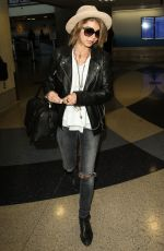 SARAH HYLAND Arrives at Los Angeles international Airport 05/07/2015