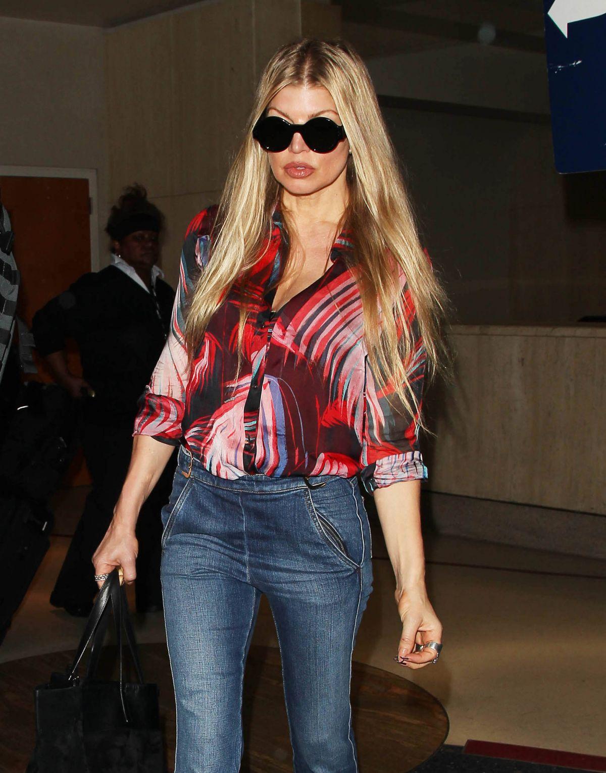 STACY FERGIE FERGUSON at Los Angeles International Airport 05/05/2015