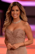 SYLVIE VAN DER VAART at Let