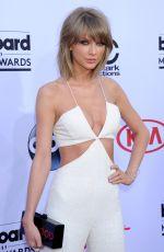 TAYLOR SWIFT at 2015 Billboard Music Awards in Las Vegas