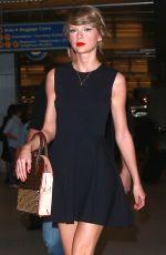 TAYLOR SWIFT at Los Angeles International Airport 05/02/2015