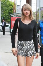 TAYLOR SWIFT Out and About in Beverly Hills 05/08/2015