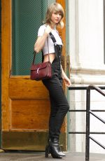 TAYLOR SWIFT Out and About in New York 05/28/2015