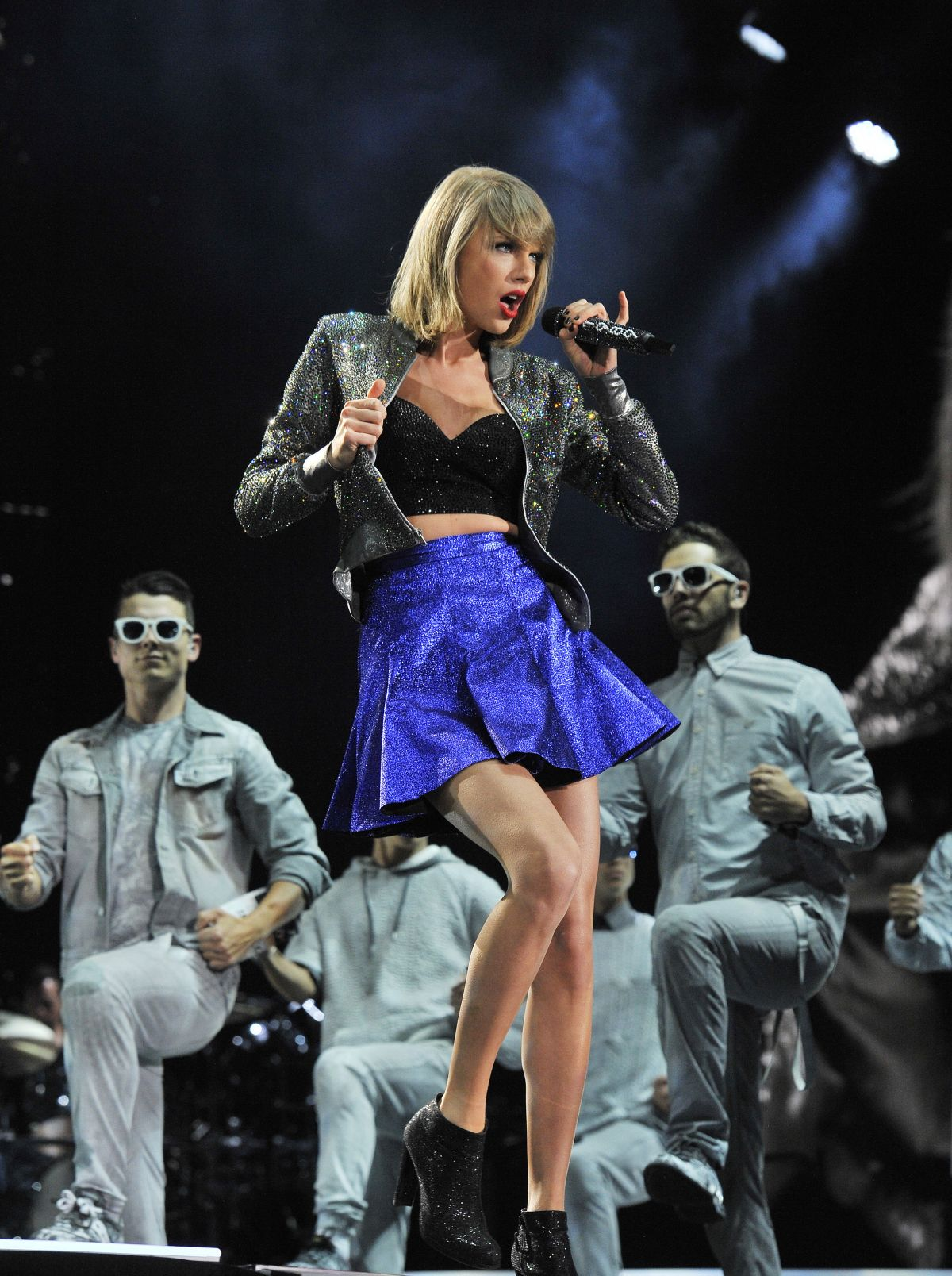 Taylor Swift Performs At 1989 World Tour In Detroit Hawtcelebs