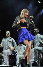 TAYLOR SWIFT Performs at 1989 World Tour in Detroit