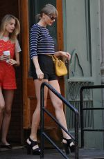 TAYLOR SWIFT un Shorts Leaves Her Apartment in New York 05/30/2015