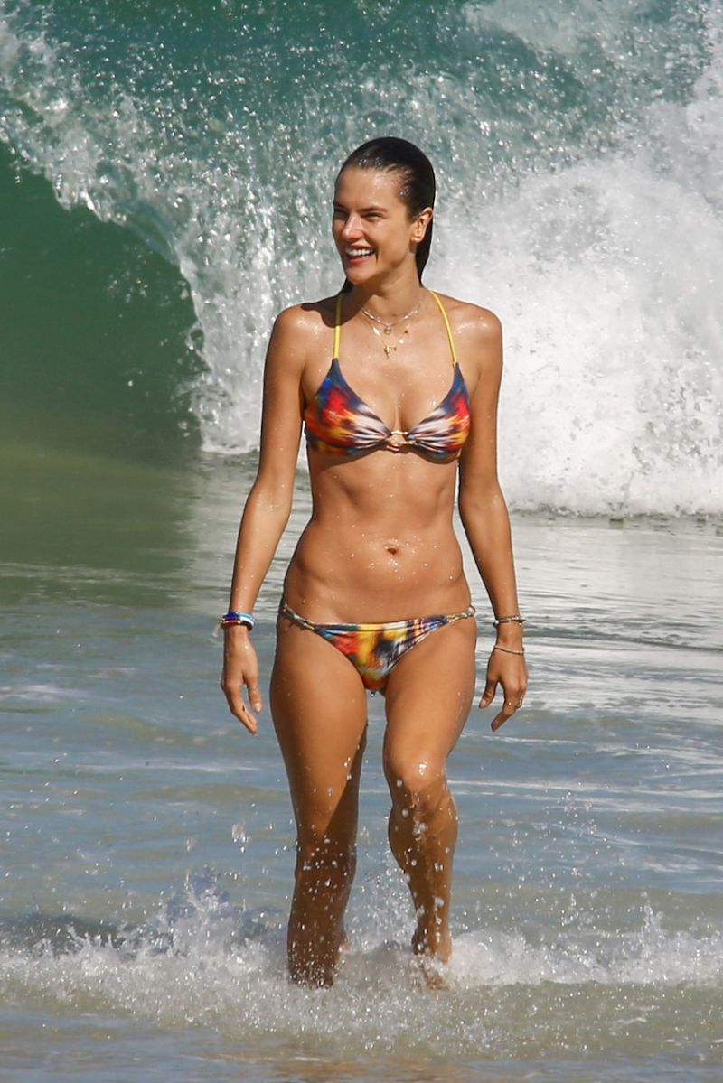 Alessandra ambrosio is still at the beach nudes (15 photos), Fappening Celebrites pics