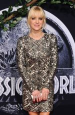 ANNA FARIS in Jurassic World Premiere in Hollywood