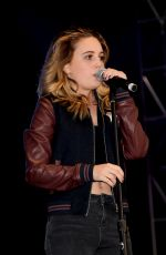 BEATRICE MILLER Performs at Digifest 2015 in New York