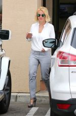 BRITNEY SPEARS at Corner Bakery Cafe in Calabasas