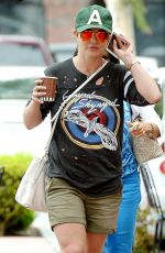 BRITNEY SPEARS Out and About in Thousand Oaks 06/03/2015