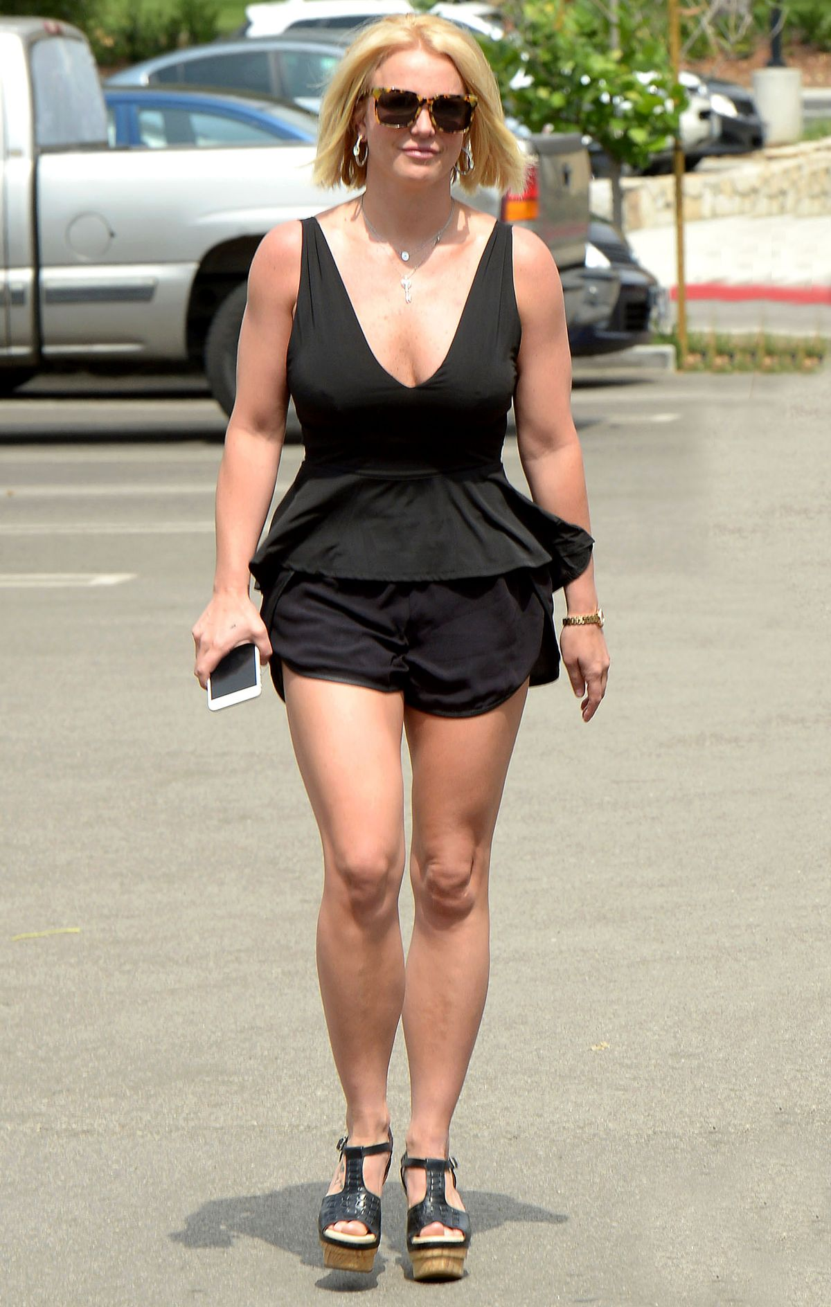 britney-spears-out-and-about-in-thousand