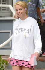BRITNEY SPEARS Out in Calabasas 06/2015