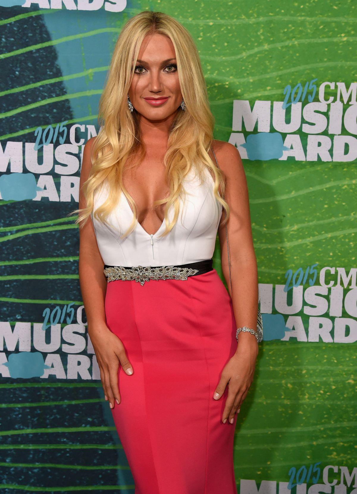 BROOKE HOGAN at 2015 CMT Music Awards in Nashville
