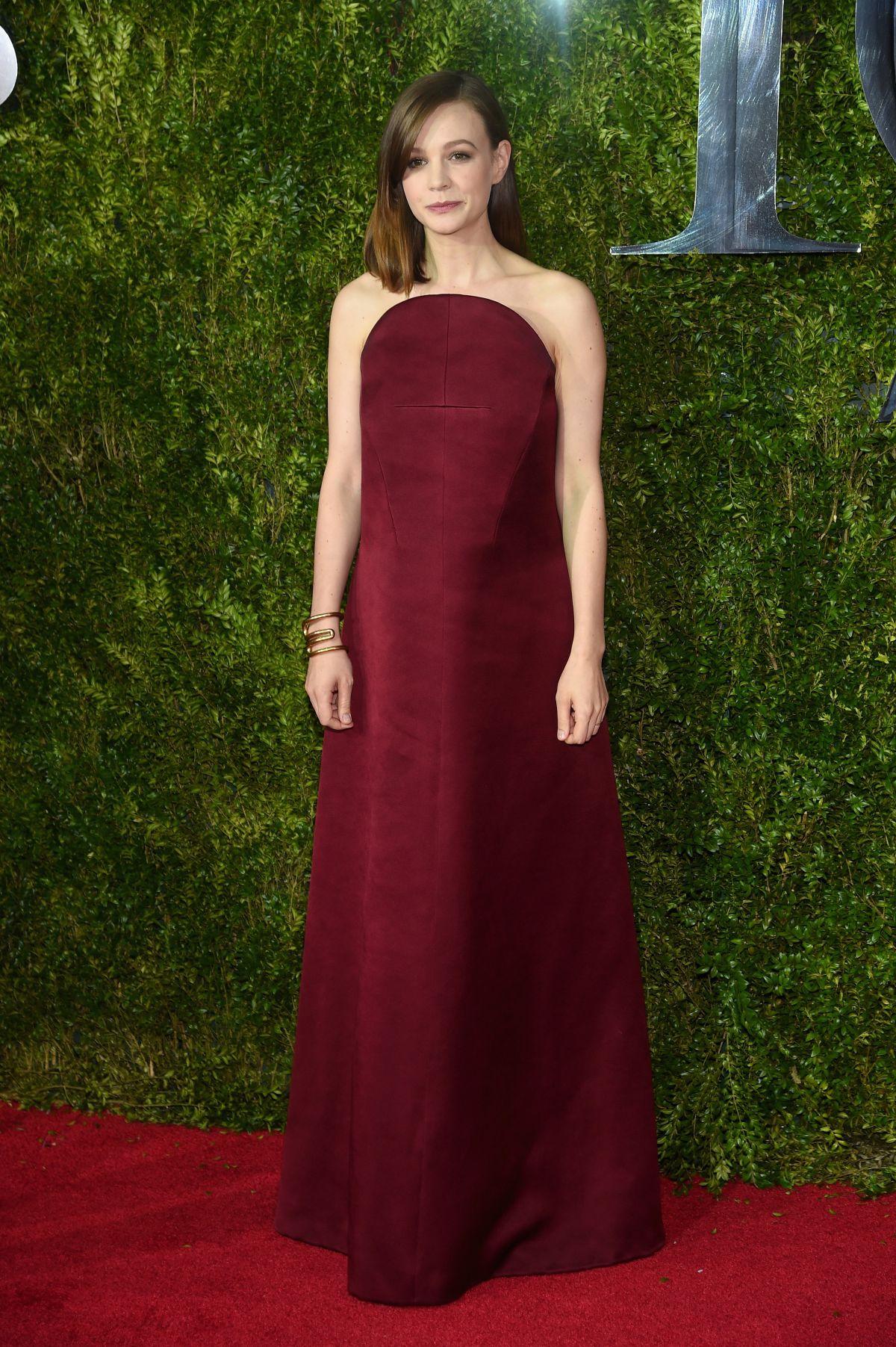 CAREY MULLIGAN at 2015 Tony Awards in New York