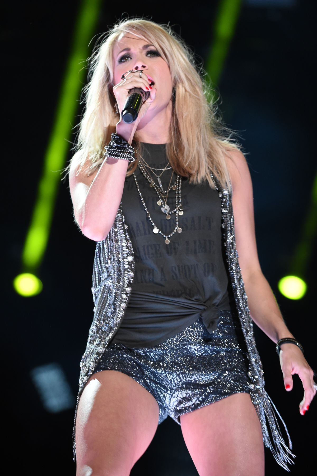 CARRIE UNDERWOOD Perfprms at CMA Festival, Day 3 - HawtCelebs ...