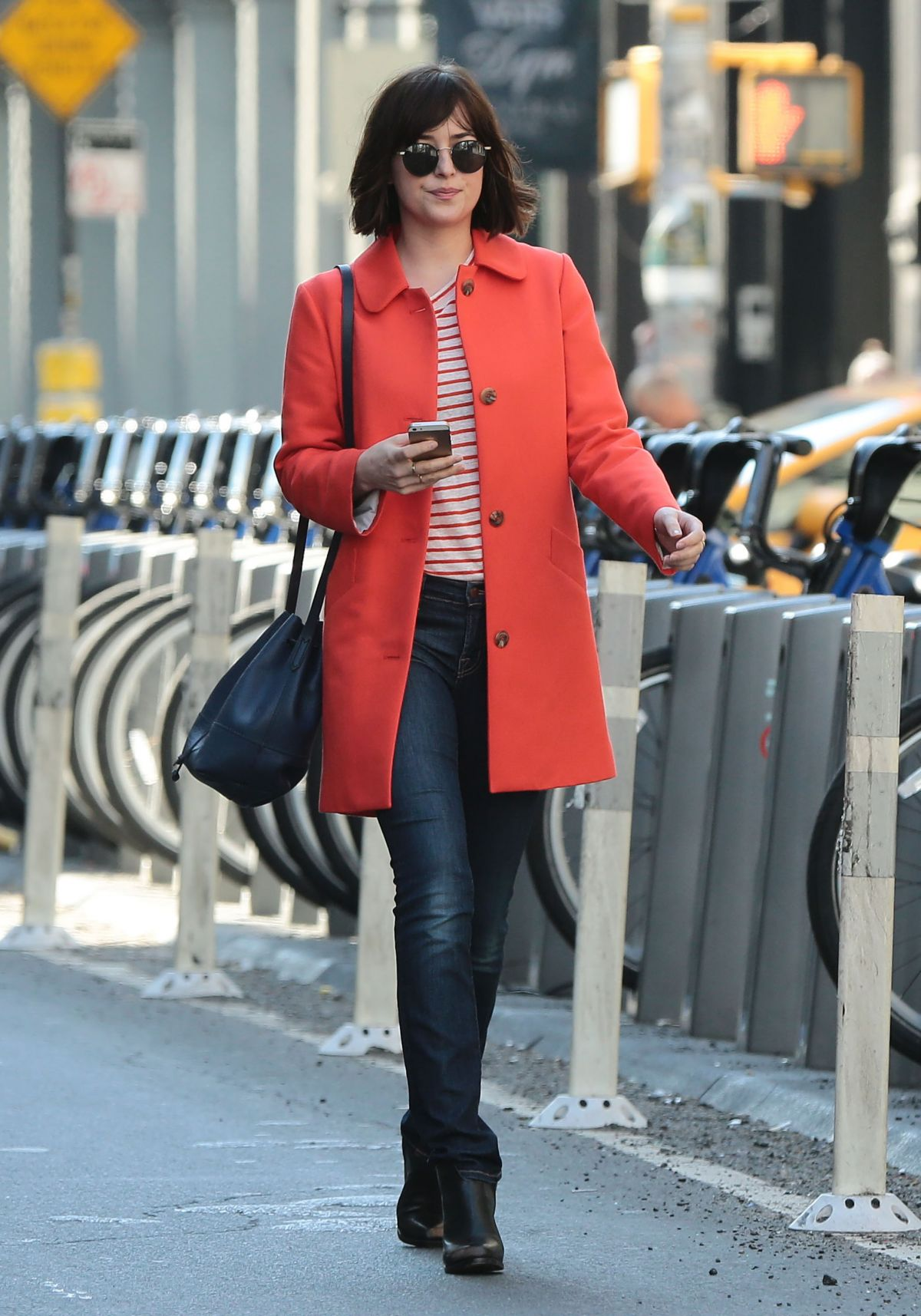 Dakota johnson on the set of how to be single in new york 05262015 dakota johnson on the set of how to be single in new york 0526 ccuart Image collections