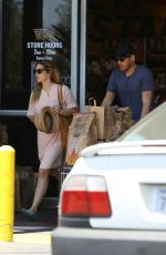 DREW BARRYMORE Shopping at Whole Foods in West Hollywood 06/07/2015