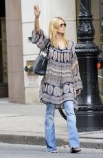 HEIDI KLUM Out Shopping on Madison Avenue in New York 06/29/2015