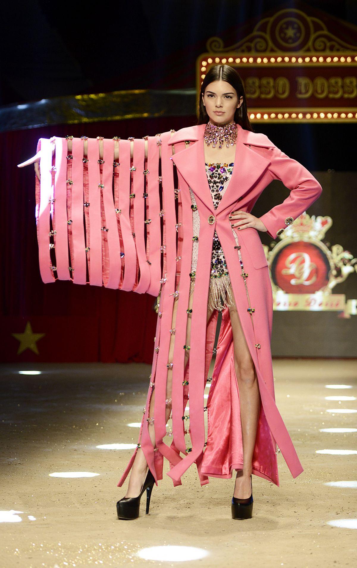 Dosso dossi fashion show antalya 56