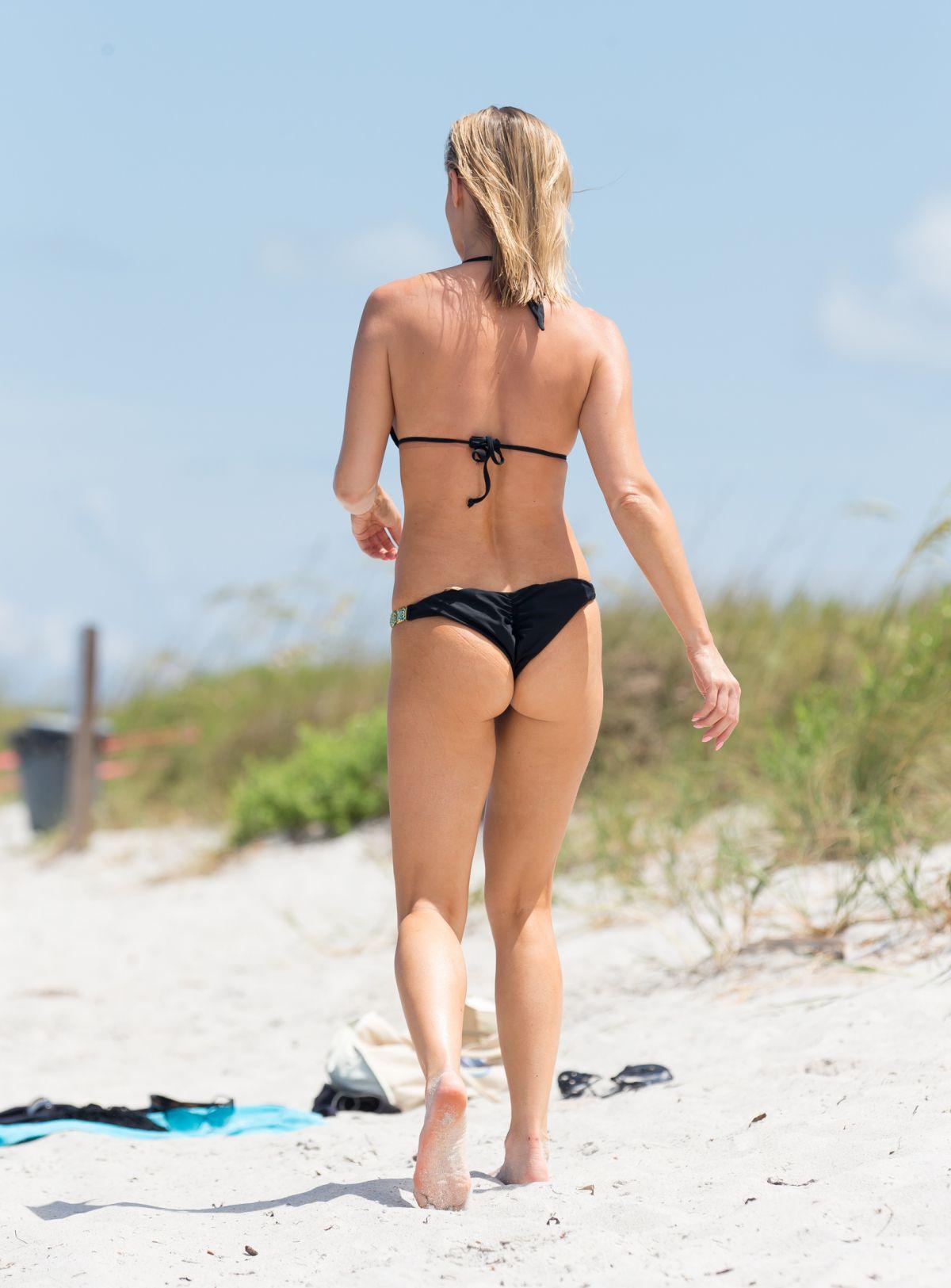 Ass Booty Joanna Krupa naked photo 2017