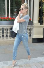 KATE HUDSON in Jeans Leaves Her Hotel in London 06/03/2015
