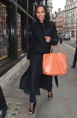 KERRY WASHINGTON Out Shopping in London 06/02/2015