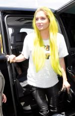 KESHA Arrives at Los Angeles International Airport 06/18/2015