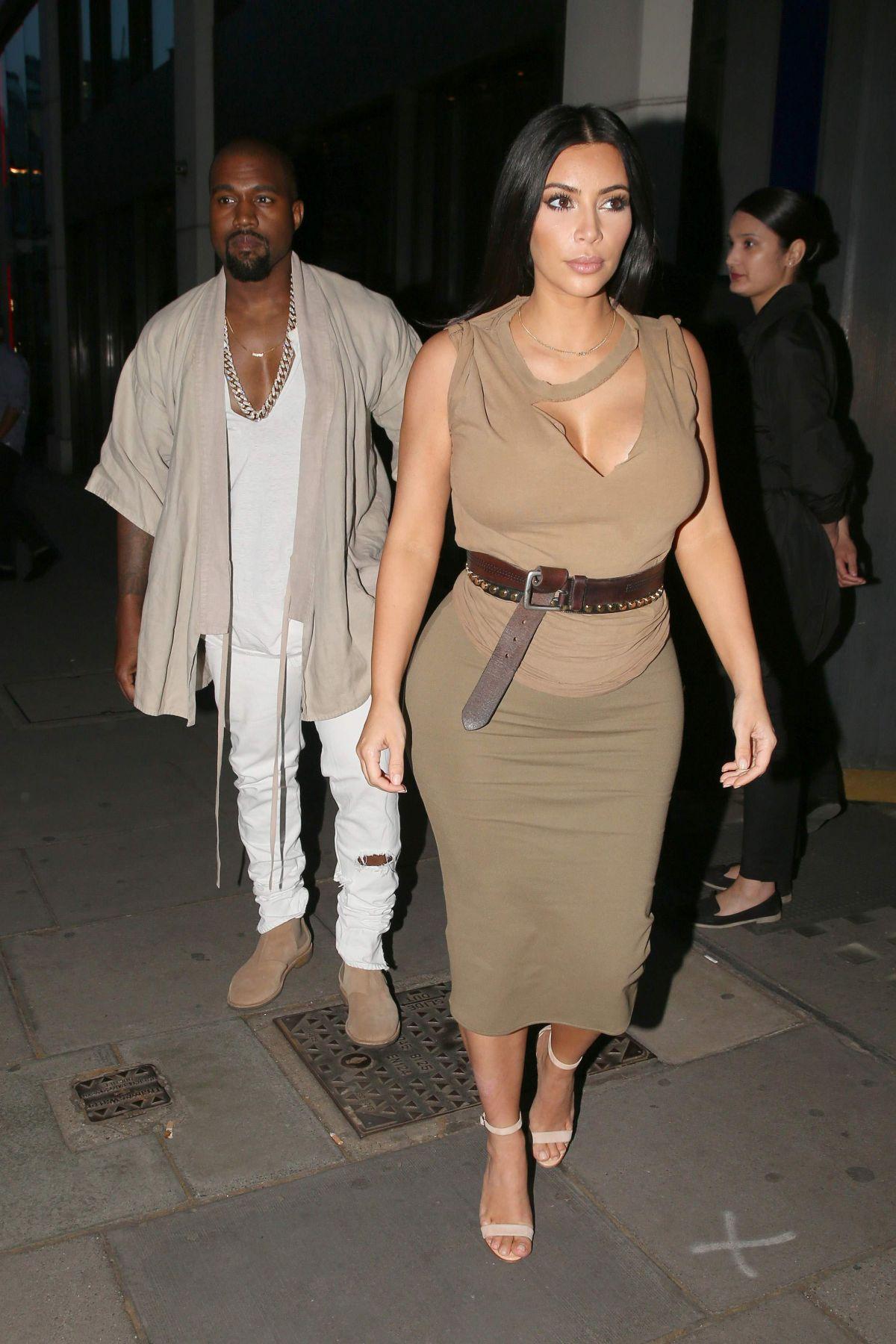 daf1e887 kim-kardashian-and-kanye-west-at-hakkasan-restaurant-06-25-2015_11 ...