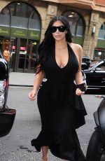 KIM KARDASHIAN Out Shopping in London 06/26/2015