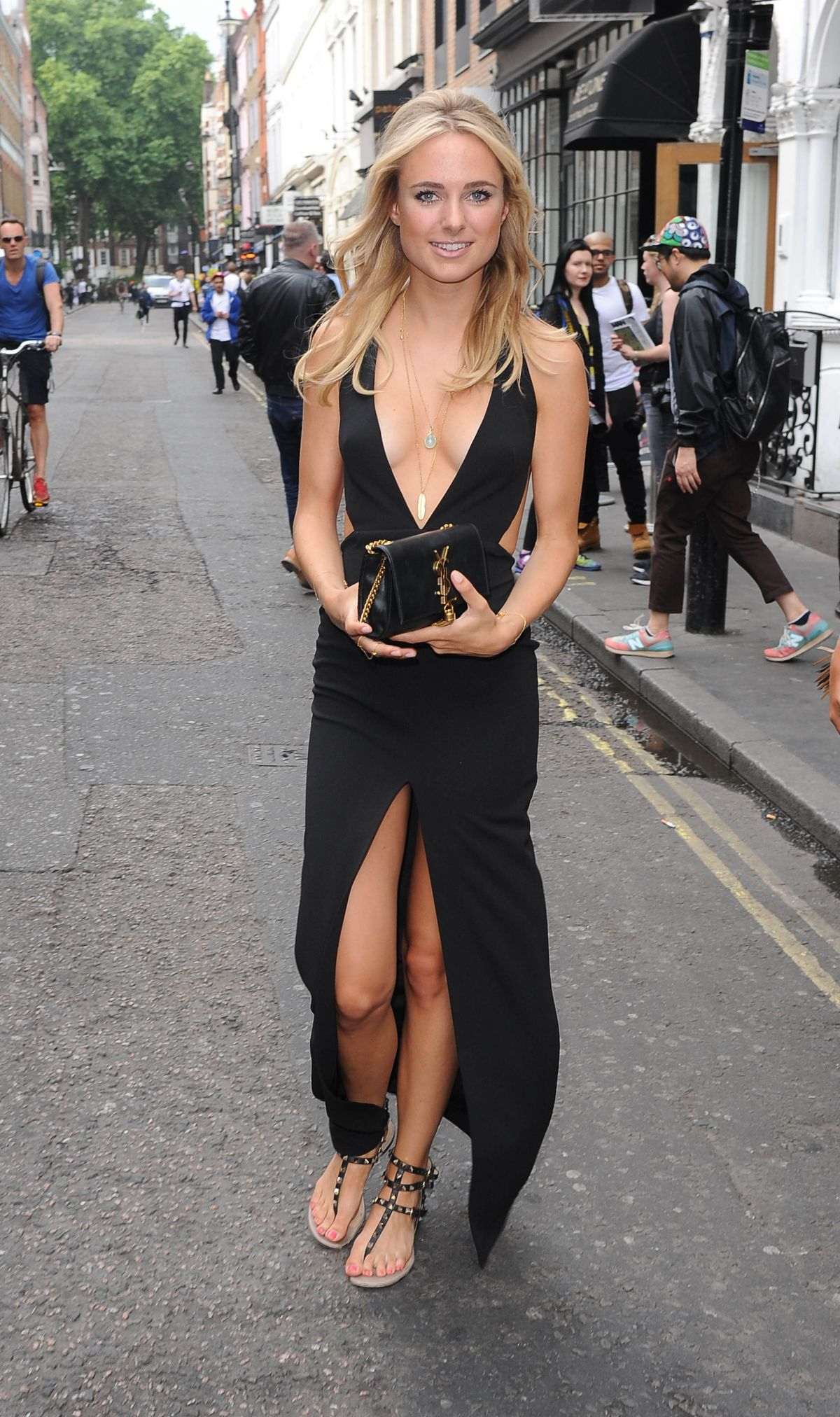 KIMBERLEY GARNER Arrives at a Fashion Show in London 06/12/2015