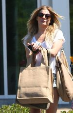 LEANN RIMES Out and About in Calabasas 06/21/2015