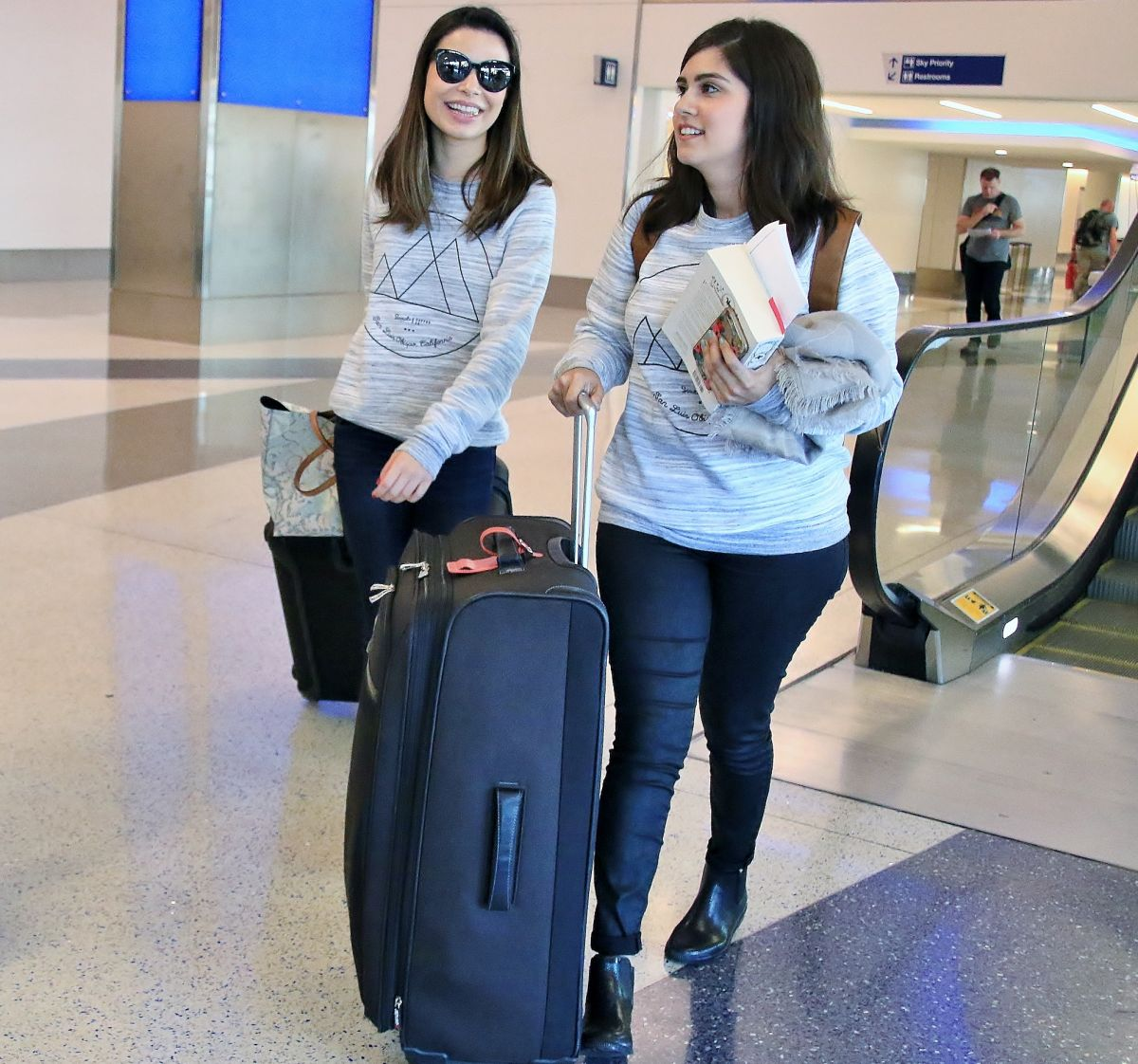 MIRANDA COSGROVE Arrives at Los Angeles International Airport 06/22/2015
