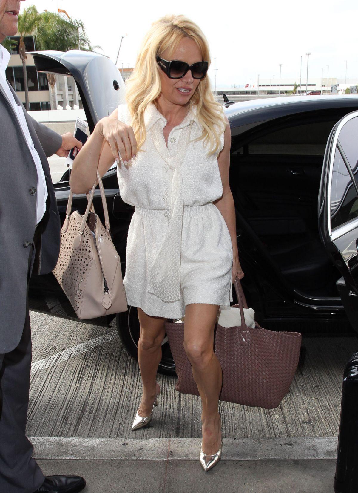 Paparazzi Pamela Anderson nude (84 photo), Ass, Bikini, Instagram, cleavage 2015