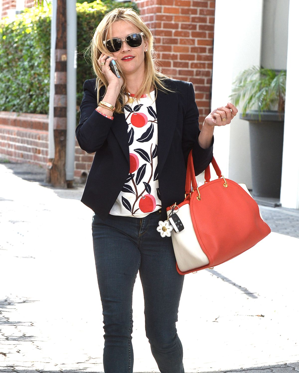REESE WITHERSPOON Leaves Her Office in Beverly Hills 06/10/2015