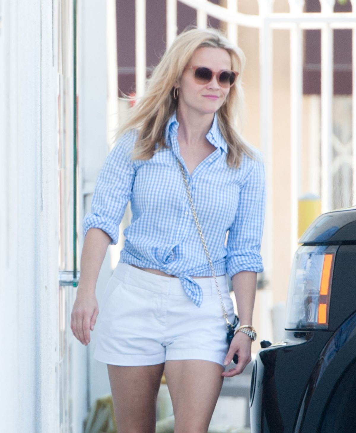 REESE WITHERSPOON Out and About in Los Angeles 06/20/2015
