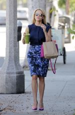 REESE WITHERSPOON Out and About in Los Angeles 06/24/2015