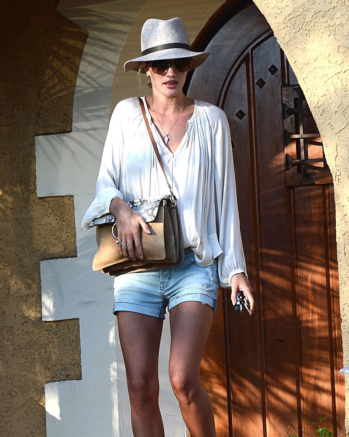 ROSIE HUNTINGTON-WHITELEY Out and About in Los Angeles 06/17/2015