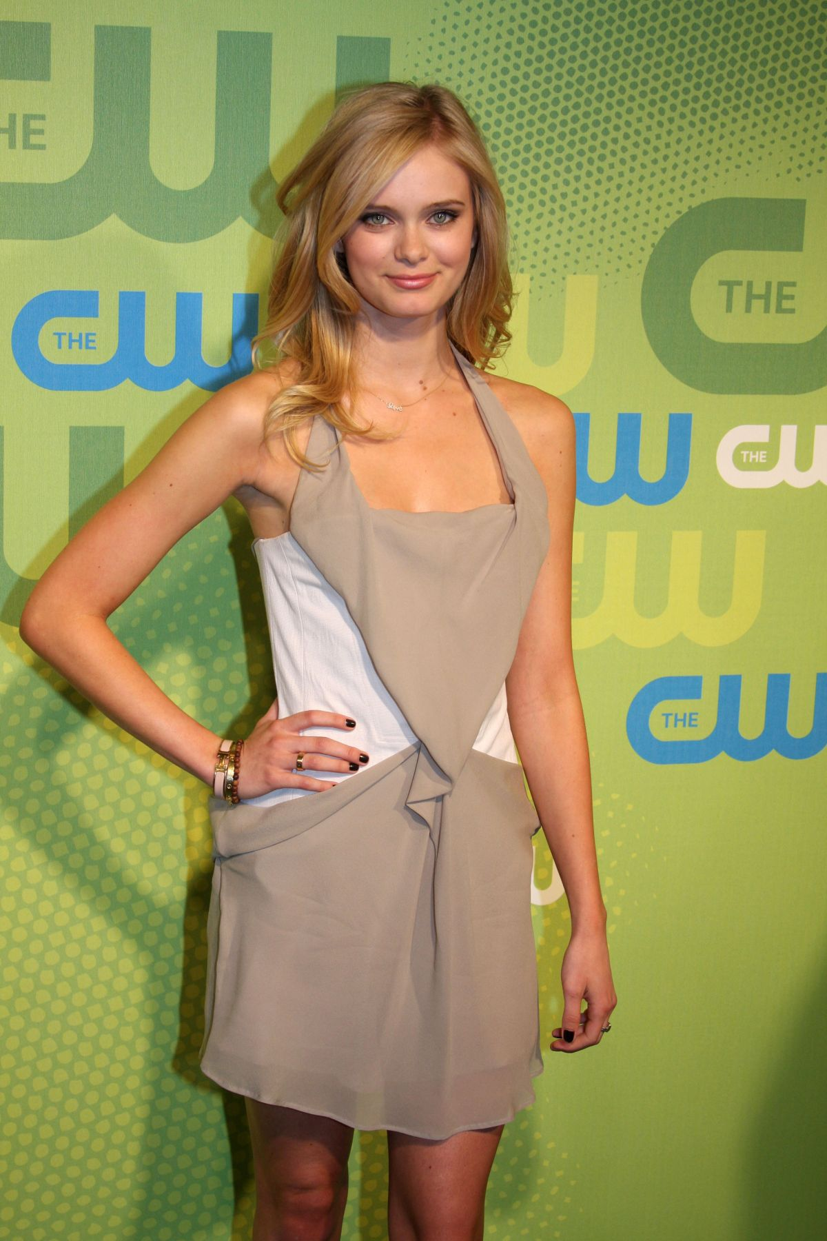 SARA PAXTON at CW Netw...