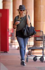 SARAH MICHELLE GELLAR Out Shopping in Brentwood 06/01/2015