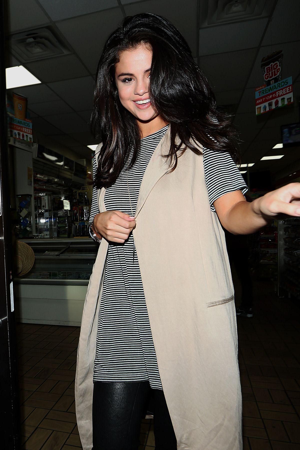 Selena Gomez Black And White 2015