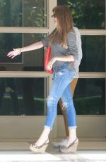 SOFIA VERGARA Leves Her Apartment in Brentwood 06/12/2015